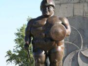 "Фернандо Ботеро (Fernando Botero) sculpture ""Статуя римского воина | Roman Warrior Statue"""