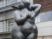 "Фернандо Ботеро (Fernando Botero) sculpture ""Naked Lady"""