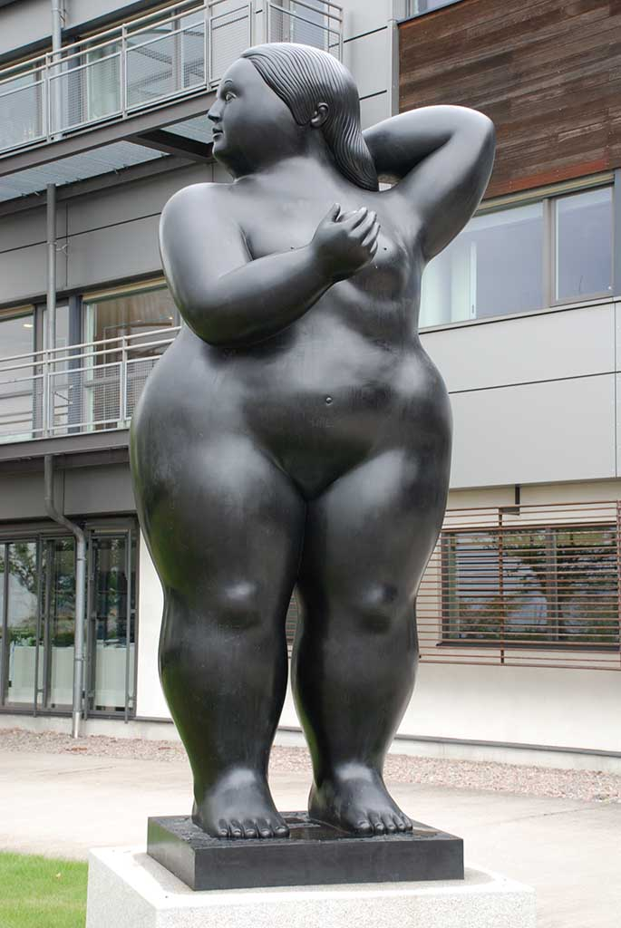 "Фернандо Ботеро (Fernando Botero) sculpture ""Naked Lady"""