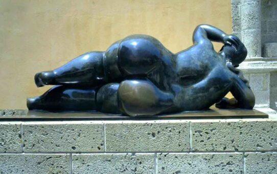 """Фернандо Ботеро (Fernando Botero) sculpture """"Gorda Gertrudis - 2 (Fat Gertrudis)"""""""