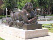 "Фернандо Ботеро (Fernando Botero) sculpture ""Mujer Fumando un Cigarrillo | Smoking Woman"""