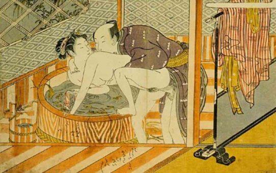 """Исода Корюсай (Isoda Koryusai) """"Couple making love in front of the ofuro"""""""