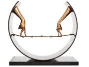 "Лоренцо Куинн (Lorenzo Quinn) ""Tight Rope, Hands"""