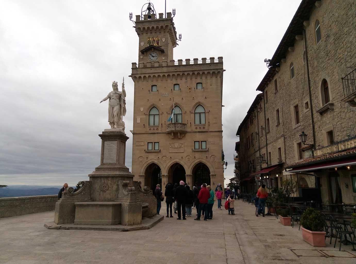 Сан Марино - 13 (San Marino sculpture)