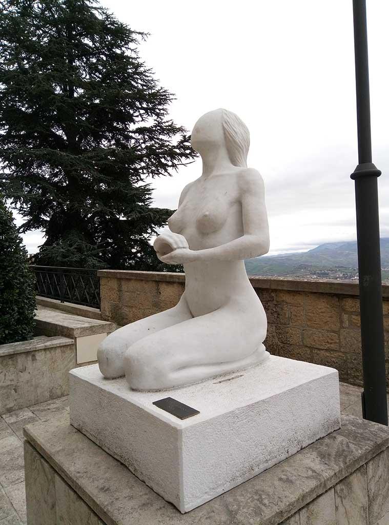 Сан Марино - 16 (San Marino sculpture)