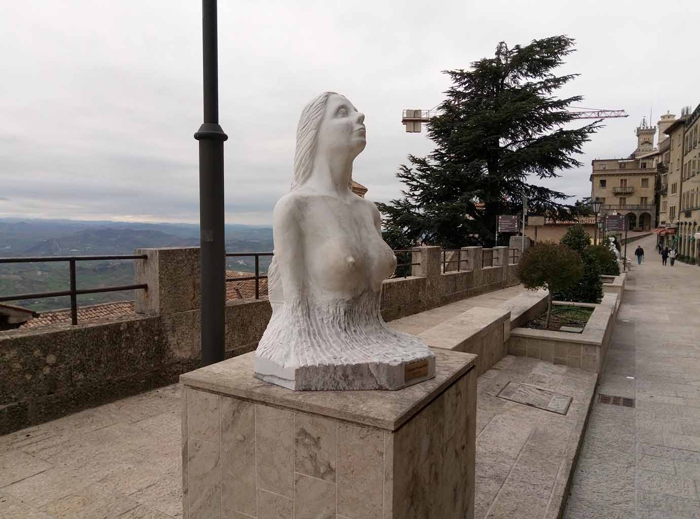 Сан Марино - 18 (San Marino sculpture)