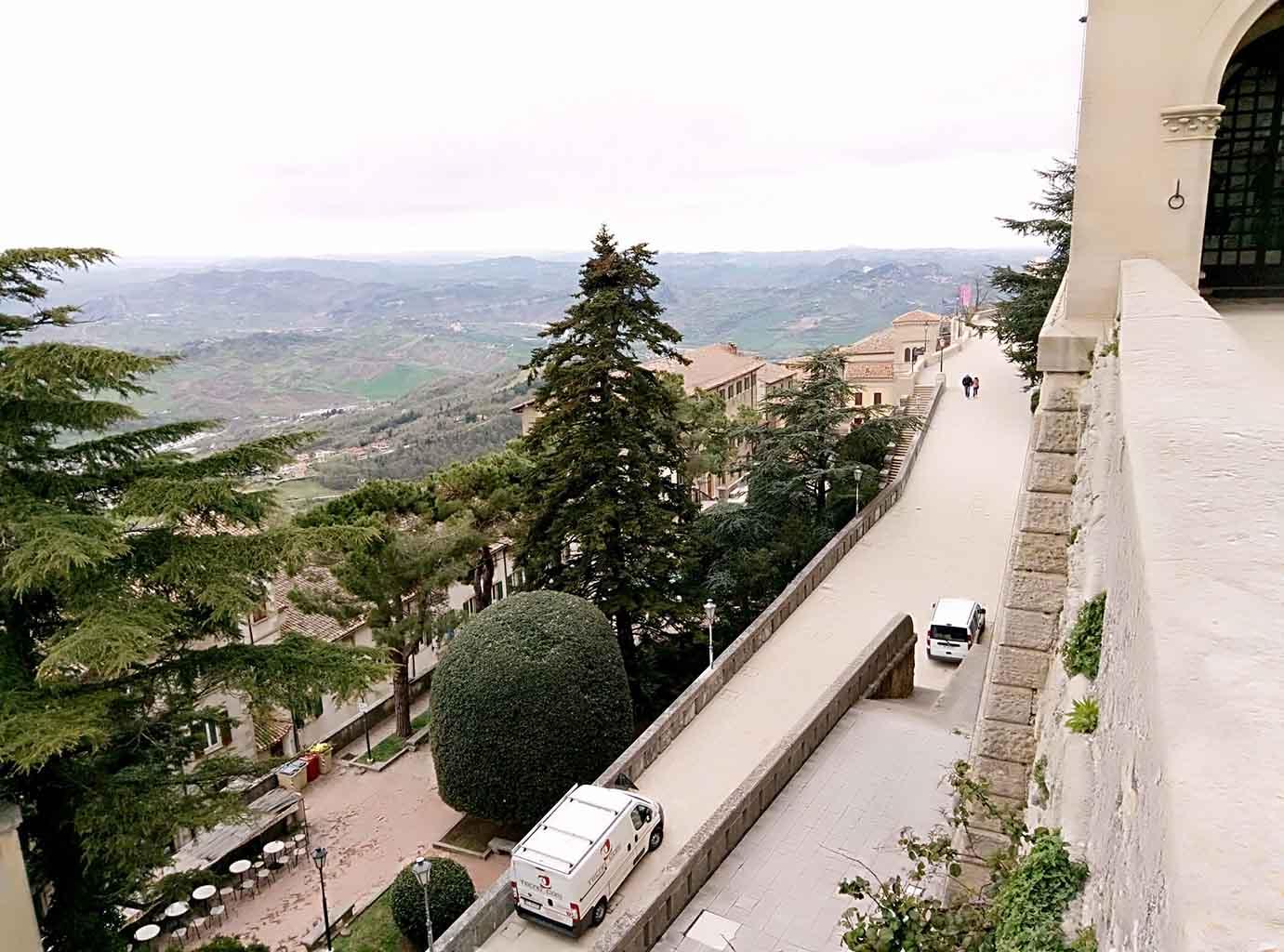 Сан Марино - 19 (San Marino sculpture)