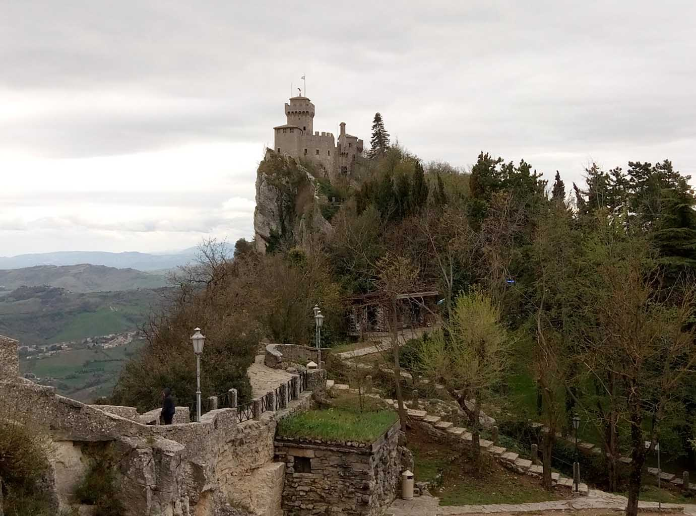 Сан Марино - 22 (San Marino sculpture)