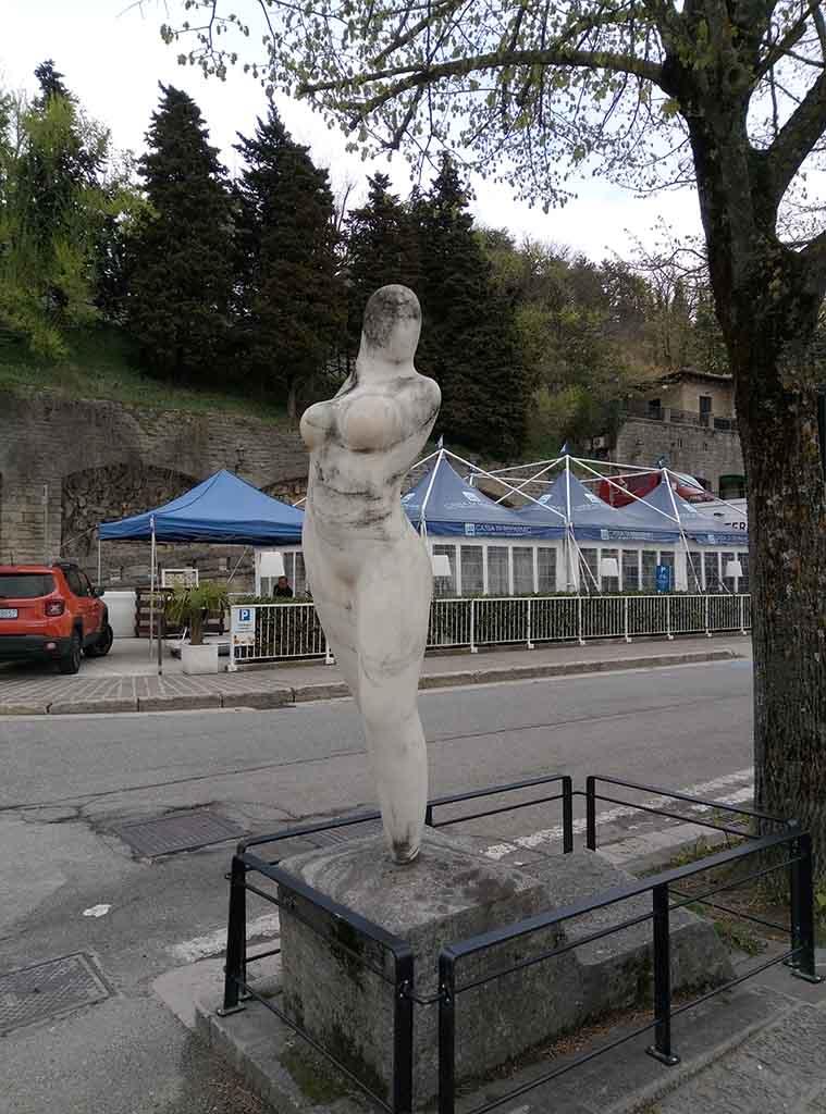 Сан Марино - 24 (San Marino sculpture)