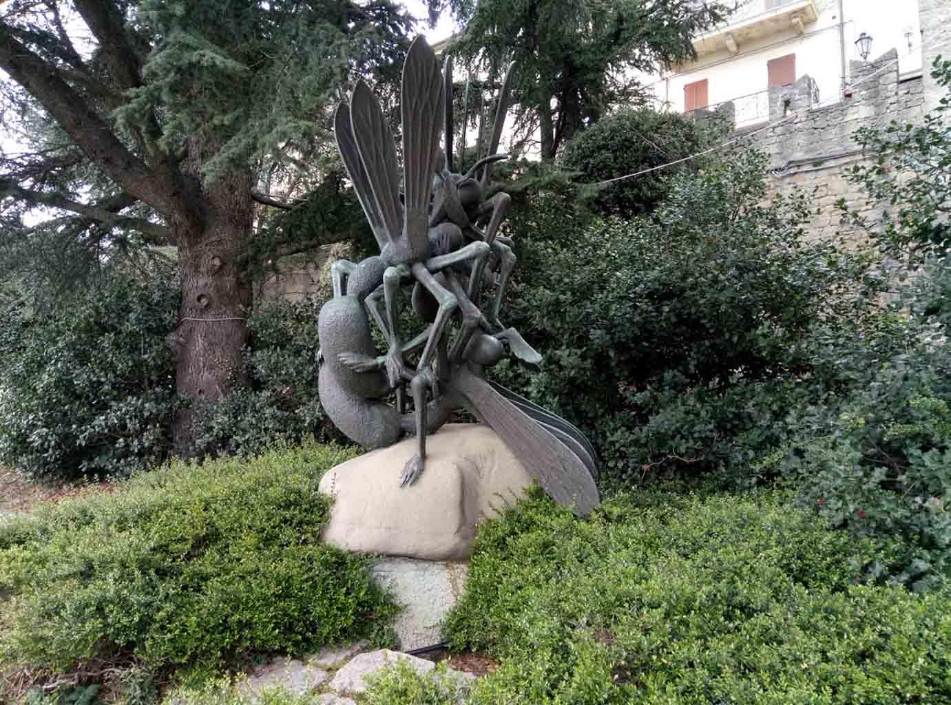 Сан Марино - 26 (San Marino sculpture)