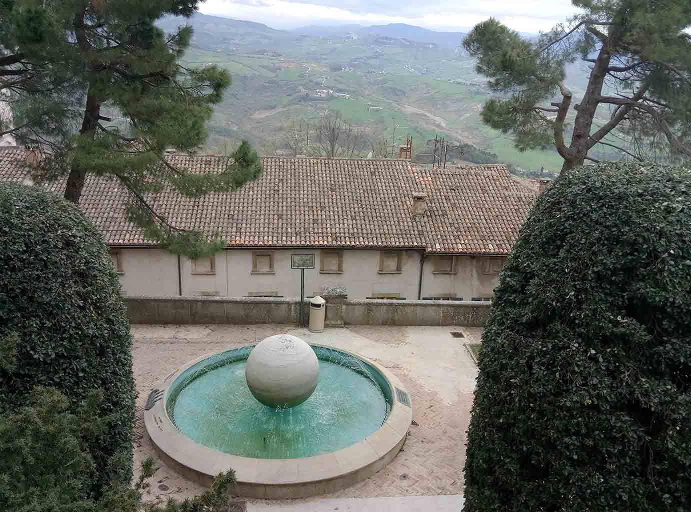Сан Марино - 5 (San Marino sculpture)