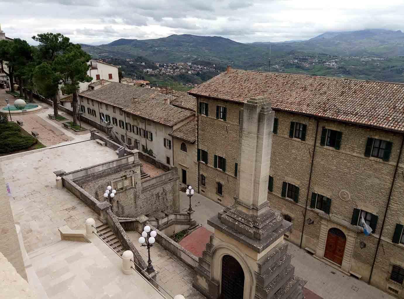 Сан Марино - 6 (San Marino sculpture)