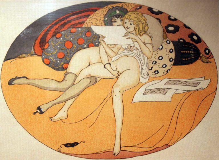 Art erotic nuveau, mum seduces daughter in lesbian sex